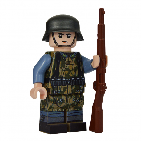 WW2 Luftwaffe Field Soldier With Zeltbahn
