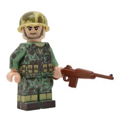 WW2 U.S. Marine Rifleman in Frog Skin Camo