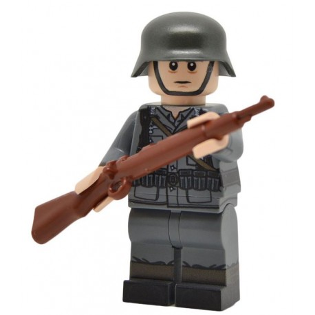 WW2 German Rifleman (Mid-late war) Minifigure