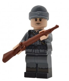 WW2 German Rifleman (Field Cap) Minifigure