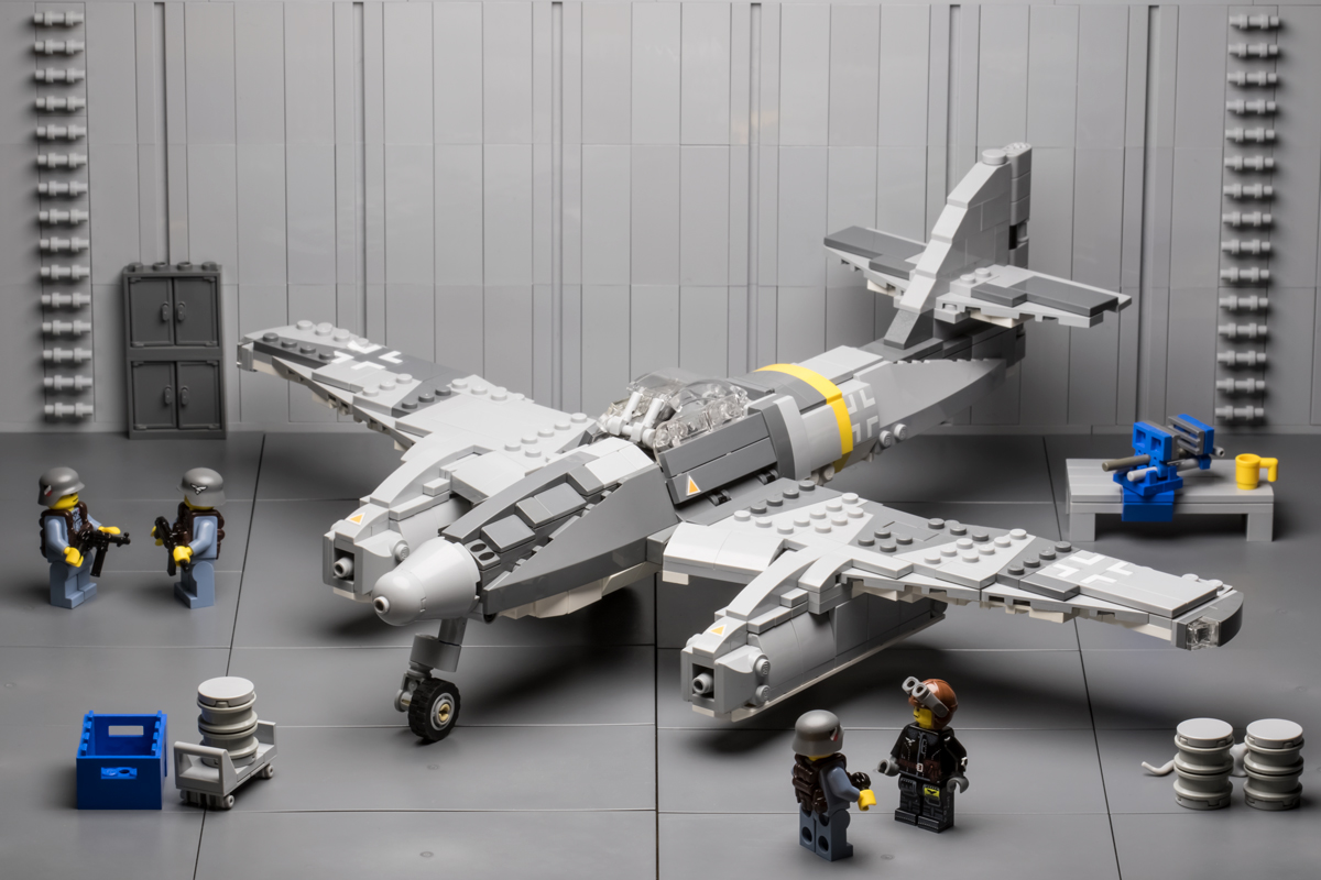Additional information about this Brickmania custom building kit: